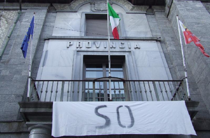 Via le Province: castroneria. Referendum e Valtellina